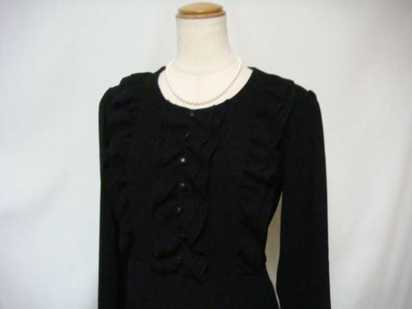 F37新品♪上品フリル使いブラックフォーマルワンピース3L日本製大きいサイズ礼服即決_画像2