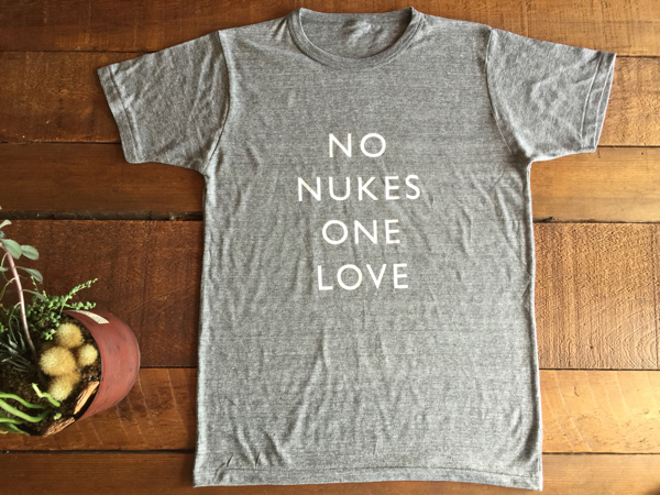 NO NUKES ONE LOVE Tシャツ