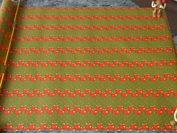値下げ!スイス製 ヴィンテージ&レトロ ワックスペーパー 包装紙 リンゴプリント (グラジエラ風、Graziela )_50cm×50cm (数量1)スイス製