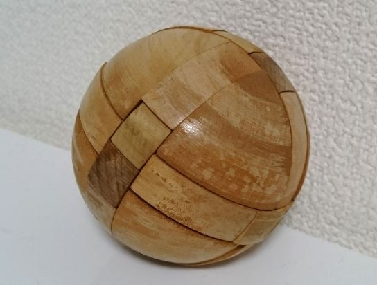 美品☆木製 知恵の輪 ボール型 立体パズル 組み木 お洒落なインテリアに_画像2