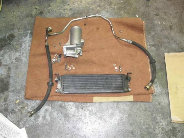 ベンツW124 500E エンジンオイルクーラー中古セット2