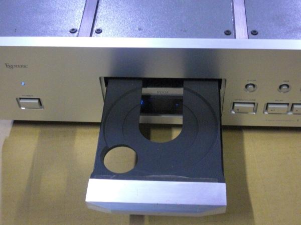 ESOTERIC 名機! X-30 Ver UP済み 超高級! CDプレーヤー TEAC エソテリック 定価30万円以上! ハイエンドオーディオ! 珠玉の逸品! ティアック_トレーも開きました!