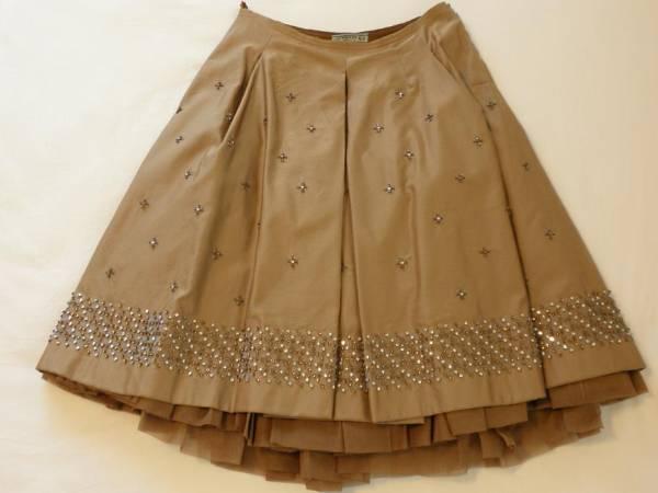 希少!プラダビーズ刺繍シリアルナンバー入りスカート40サイズ
