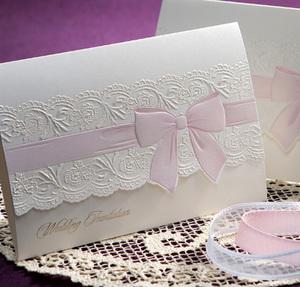 結婚式招待状★婚礼/花嫁の象徴⇒ホワイトリボン/ラインストーン_ピンクリボン★スウィートなかわいさ♪