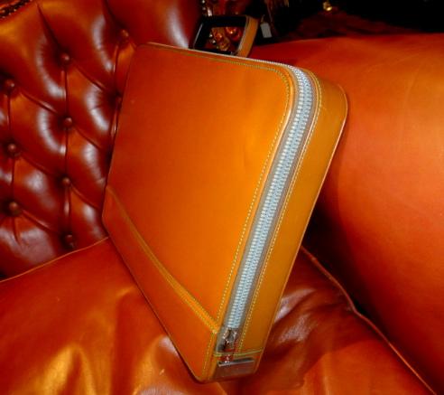 貴重45万円イタリア製【valextraバレクストラ】人気定番レザー本革アタッシュケース PREMIER 希少な橙色 ビジネスバッグ 鞄_画像5