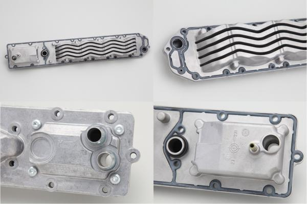 純正品 E/G エンジン オイルクーラー/ベンツ W215 CLクラス CL600 V12エンジン用 (137-188-0501)_画像2