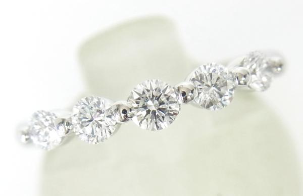 送料込みの即決価格!最高級カット(ハート&キューピッド鑑定付)なので輝きが抜群!天然ダイヤモンド5石0.50ctエタニティーリング
