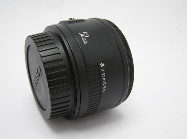 ★ハロ-カメラ★5826 Canon EF(50mm/1.8Ⅱ) レンズ .箱有り 保証書有り 動作品 現状 綺麗.美品..極上品_画像3