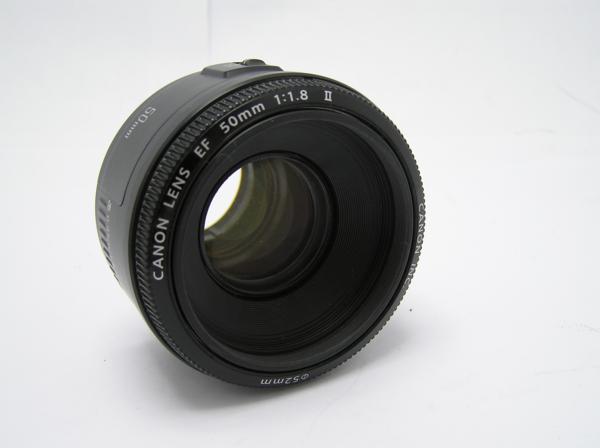 ★ハロ-カメラ★5826 Canon EF(50mm/1.8Ⅱ) レンズ .箱有り 保証書有り 動作品 現状 綺麗.美品..極上品_画像4