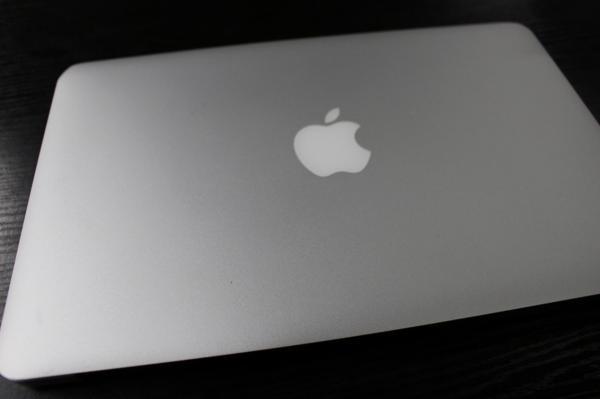 MacBook Air (11-inch, Mid 2011) apple アップル すぐ使えます