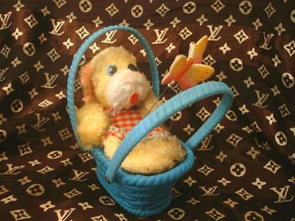 ◆昭和レトロ かごに入った犬 ちょうちょ ゼンマイ おもちゃ_画像1