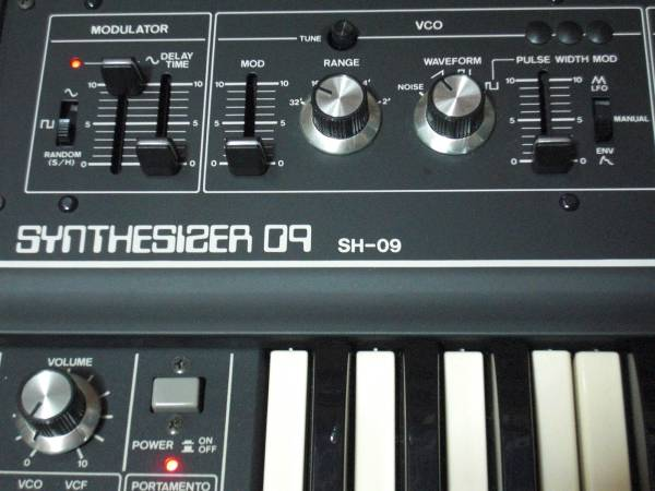 ローランド Roland SH-09 極上美品! アナログシンセサイザー 新同 デッドストック! 激レア Analog Synthesizer 名機 SH-1と殆ど同スペック!_画像2