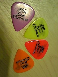 エリッククラプトン ギター ピック 武道館 スローハンド