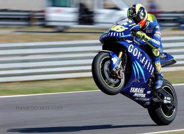 ヤマハ バレンティーノ・ロッシ Valentino Rossi 写真二枚