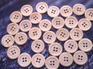 淡水真珠貝 ボタン 4穴 定番の17型★貴重なサクラ色★18mm 30個