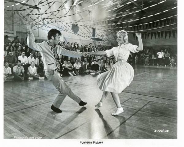 1973年 映画 アメリカン・グラフィティ  ダンスシーン 大きなサイズのフォト