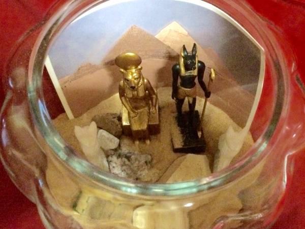 ★サハラ砂漠 テラリウム ガラス エジプト 神 ラクダ フィギュア インテリア 置物 コレクション_画像2