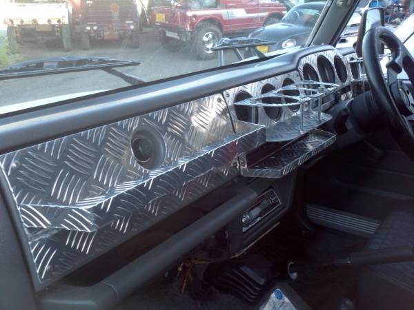 ダッシュドリンクテーブルアルミメーターパネルJA22用ジムニー縞板ガード