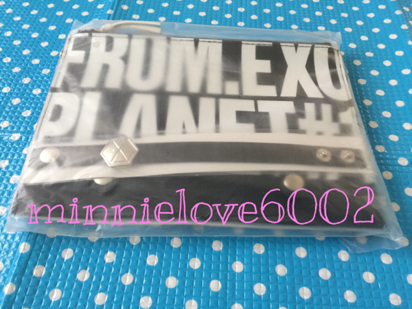 FROM EXO PLANET #1★THE LOST PLANET IN JAPAN★公式 グッズ★ブレスレット付き ダブルショルダー ポーチ ライブグッズの画像