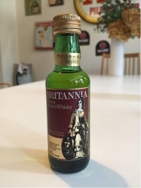 ブリタニア スコッチウイスキー未開封ビンテージミニボトル古酒_画像1