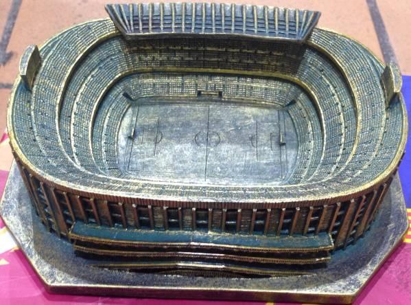 FCバルセロナ オフィシャル カンプ・ノウ スタジアム模型 (新品) グッズの画像
