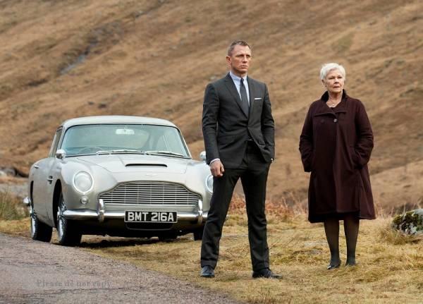 2012年映画 『007 スカイフォール』 ダニエル・クレイグ 「M」ベレニス・マーロウ 大きなサイズの写真3枚付き