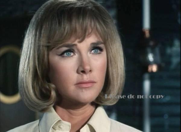 1970年 謎の円盤UFO ワンダ・ベンサム フォト 3枚付き