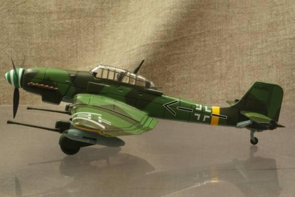 ★ドイツ爆撃機 ユンカース Ju 87G-1 スツーカ 1/72 113001 ALTAYA_画像2
