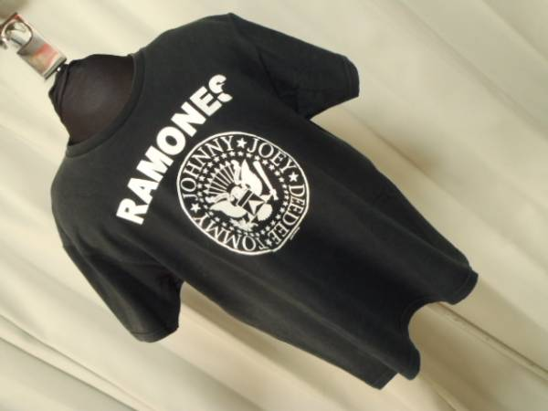 ★RAMONES/ラモーンズ★ロックTシャツ 黒★Size L