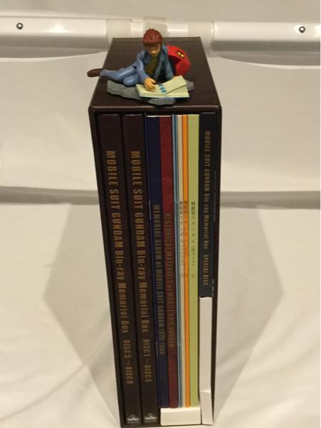 初回限定 機動戦士ガンダム Blu-ray メモリアル・ボックス BD アムロ 説明書 フィギュア付 ブルーレイ BOX シャア セイラ_画像2