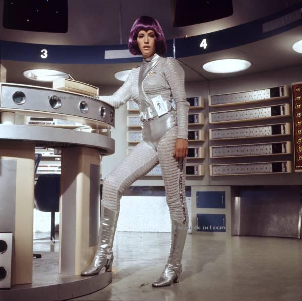 1970年 謎の円盤UFO ソニア・フォックス キャロル・ミラー アンドレア・アラン フォト 3枚付き