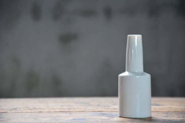 NO.103 古い白磁の一輪挿し 検索用語→A昭和レトロ北欧花瓶無印ビンテージ