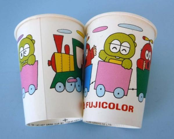 FUJICOLORガチャピン看板ムック紙コップ2個キャラ販促ポンキッキ富士フィルムオマケ非売品レアーアイテムです。_画像1