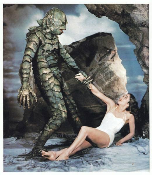 怪物映画の老舗、ユニバーサル 1954年 大アマゾンの半魚人 カラーフォト 2枚付き