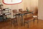送料無料 クールでモダンなアイアンフレームの テーブルとベンチとチェアのセット