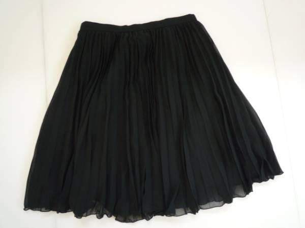 【お得!!】◆QUEENS COURT◆ プリーツスカート 黒 1 膝丈 無地_画像2
