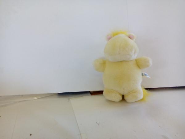 D5634♪ムーミン 黄色ぬいぐるみ グッズの画像