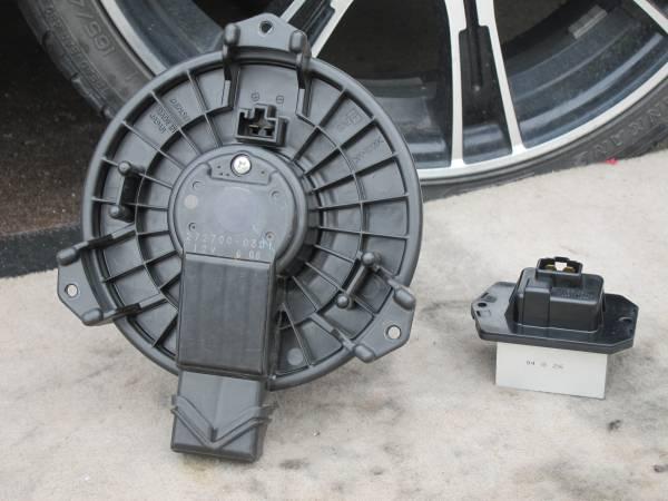H17 DBA-ZC11S スイフト 純正 ブロアモーター/レジスタ SET 272700-0301