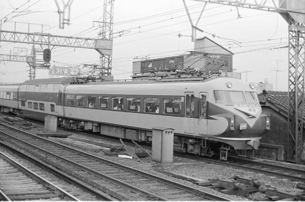 ◆【即決写真】近鉄 特急ビスタカー10105 1973.8 鶴橋/3069-20_画像1