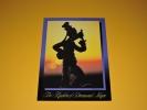 東京ディズニーランド ポストカード The Kingdom of Dream and Magic 夢と魔法の王国★グーフィーのおなじみのポーズがブロンズ像に★TDL