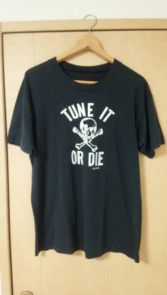 TUNE IT OR DIE アメリカン80s Tシャツ