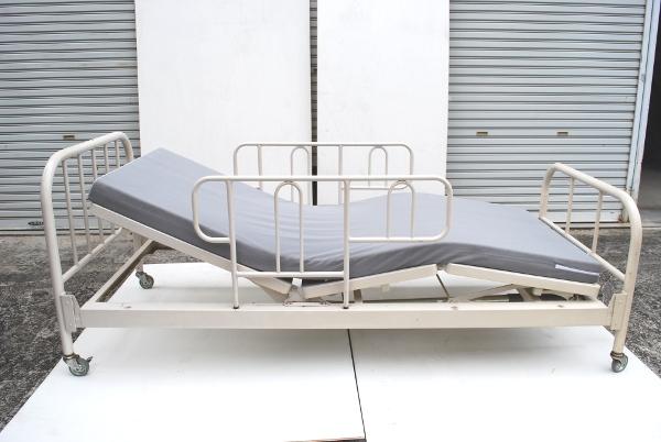 パラマウントベッド医療.介護リクライニング式マット&テーブル付_画像2
