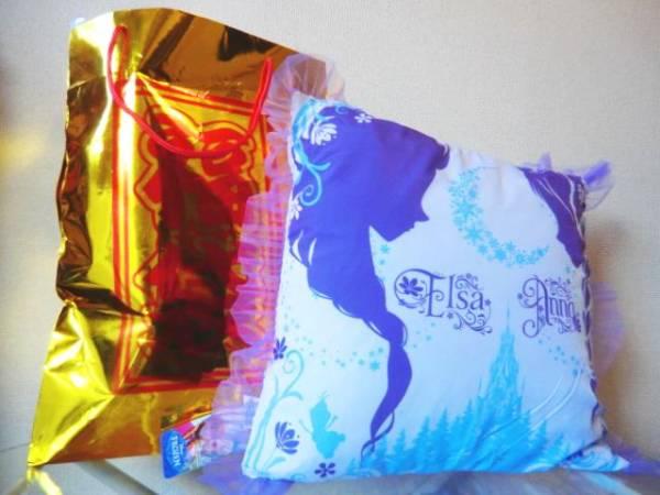 アナ雪クッションが必ず入る ディズニー福袋① 5点入り ディズニーグッズの画像