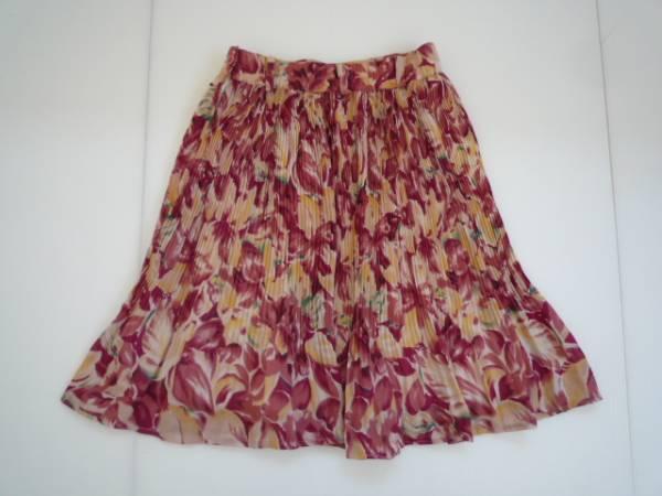 【お得!!】◆ROMPING GIRL◆ フレアスカート 赤系 花柄 W60-65