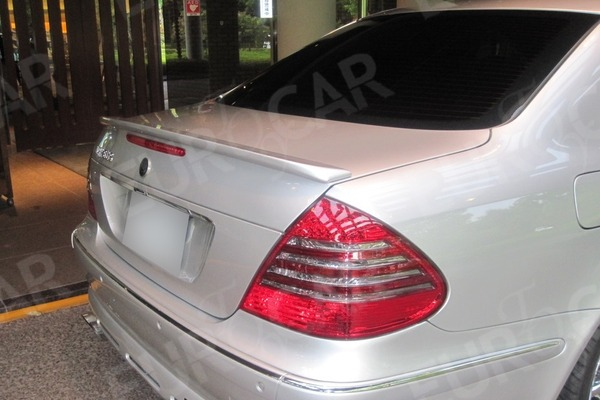 ベンツ W211 各色塗装済 リアトランクスポイラー_画像2