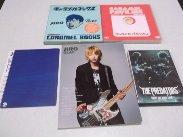 △ ベースマガジン JIRO GLAY +キャラメル本2冊 + PREDATORS DVD