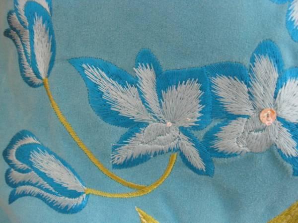 即決!再値下げ!送料込み!スエード製の花刺繍バッグ(ブルー)_スパンコールが取れています。