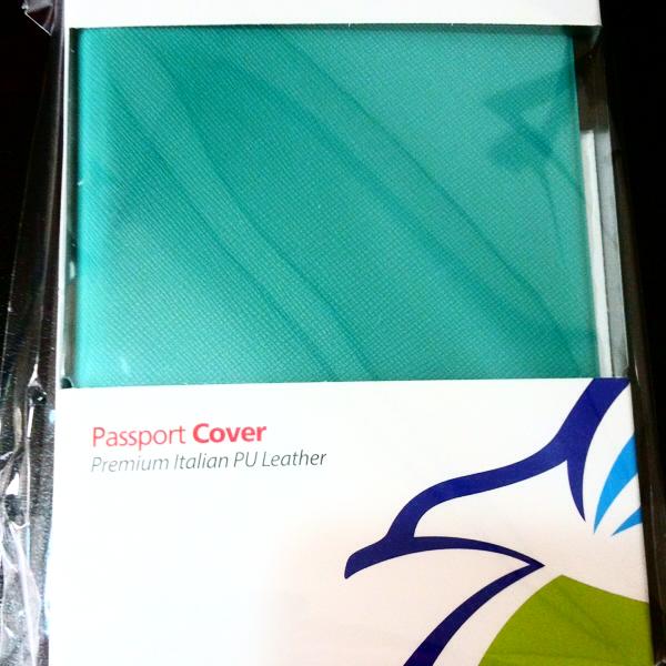 3892b43a0098 パスポートカバーの値段と価格推移は?|144件の売買情報を集計した ...