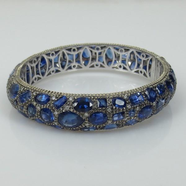 新古品《53ct ダイヤモンド&ブルーサファイヤ》18Kバングル_画像2