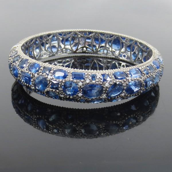 新古品《53ct ダイヤモンド&ブルーサファイヤ》18Kバングル_画像1